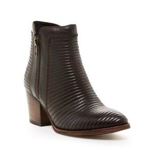 NWOT Catherine Malandrino boots